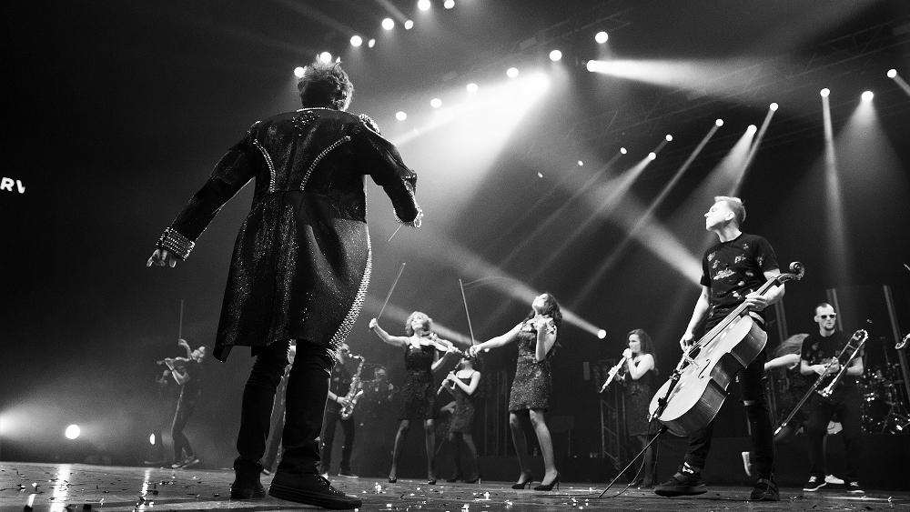 Дирижёр оркестра Фабио Пирола собрал высокопрофессиональных российских и европейских музыкантов и возглавил проект CONCORD ORCHESTRA.