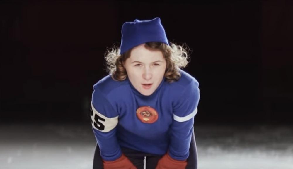 В фильме молодую Скобликову сыграла челябинская конькобежка.