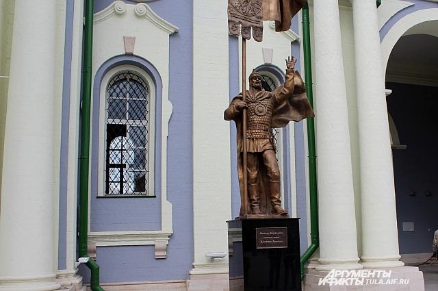 Памятник Дмитрию Донскому.