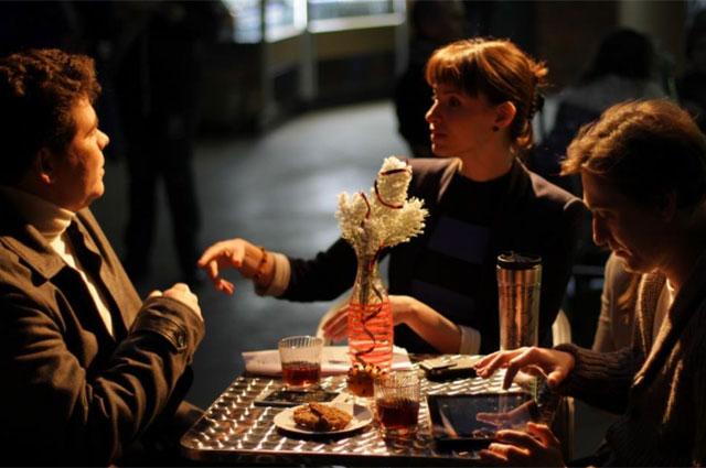 Пианист Денис Мацуев, режиссер Анна Матисон и Сергей безруков во время съемок.