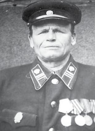 Когда началась война, Федосею Захаровичу было 43 года.