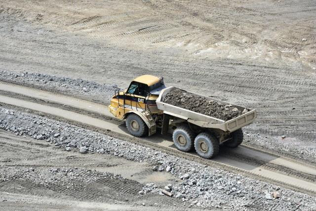 Отсутствие инфраструктуры осложняет процесс золотодобычи.