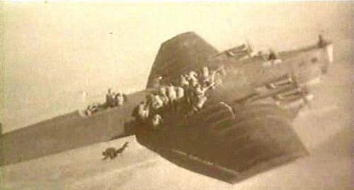 ДесантУчения по высадке парашютного десанта с бомбардировщика ТБ-3, РККА, 1930 год.