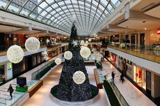 Торговый центр в новогодние праздники.