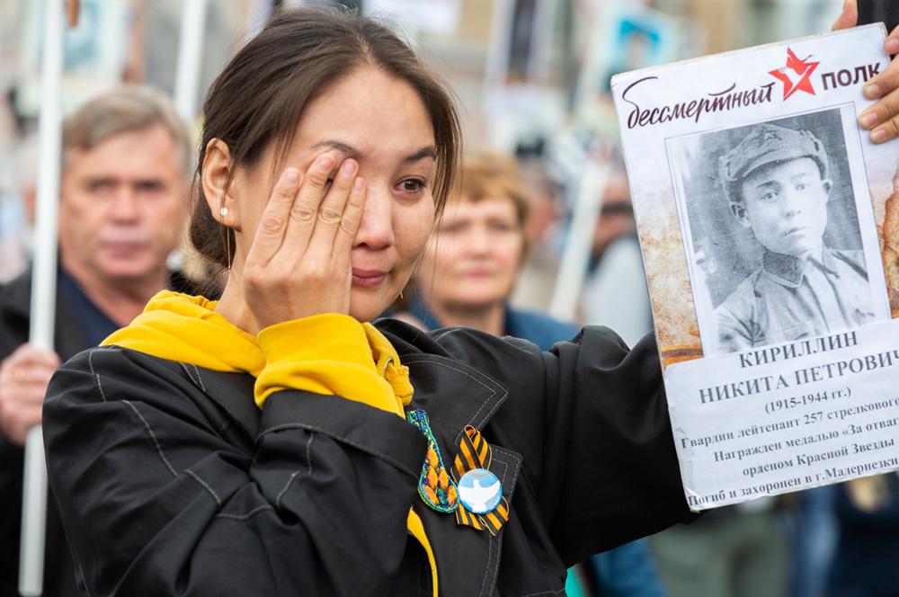 Участники акции «Бессмертный полк» не сдерживали слез