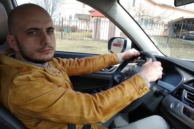 В пути нас сопровождал водитель Андрей Агарков.