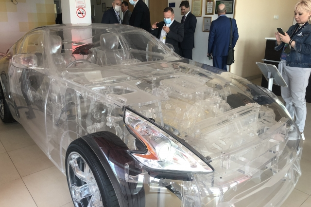 Символ прозрачности принципов работы предприятия «Шелл» – вот такой автомобиль.