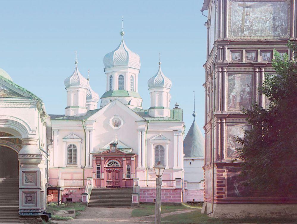 Уничтоженная в 1934 г. церковь Рождества Богородицы Ипатьевского монастыря (1910 г.)