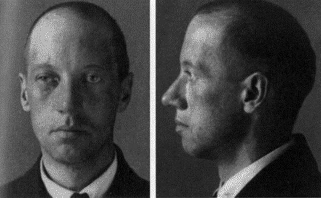 Николай Гумилёв. Фото из следственного дела. 1921 г.
