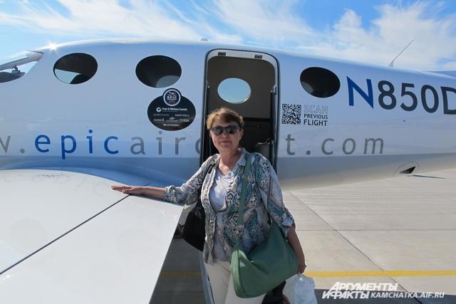 Виктория помогала мужу строить этот самолёт.