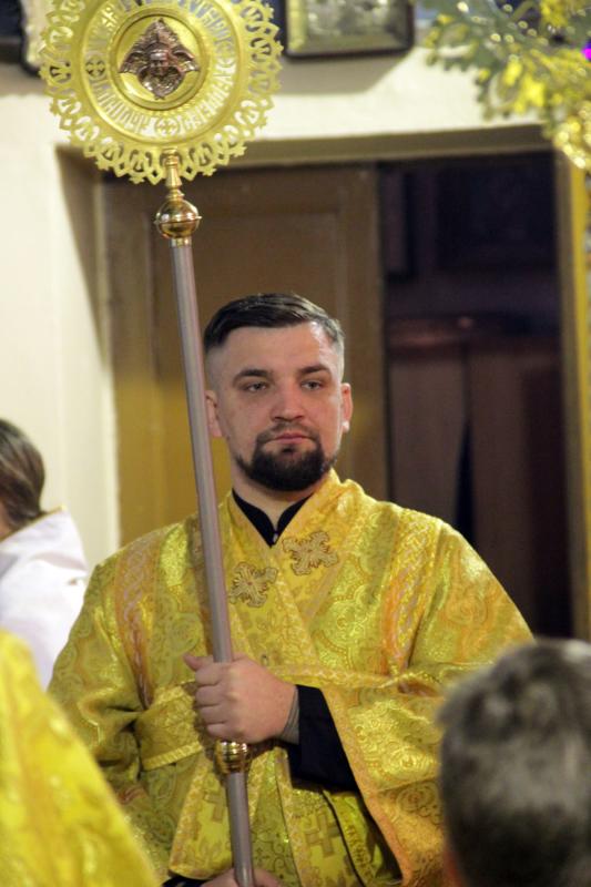 Василий Вакуленко, Баста, в Гатчинском храме, иподьякон - помощник архирея