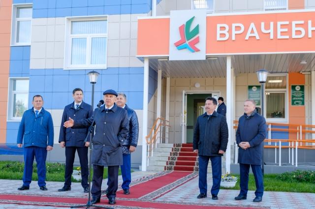 На открытие приехал лично президент РТ Рустам Минниханов.