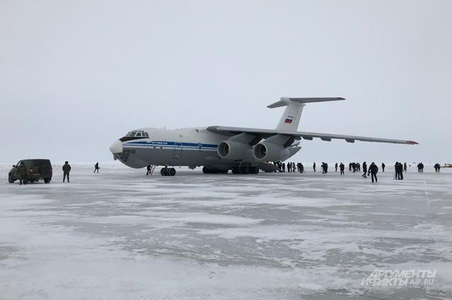 Транспортник Ил-76— частый гость наЗФИ.
