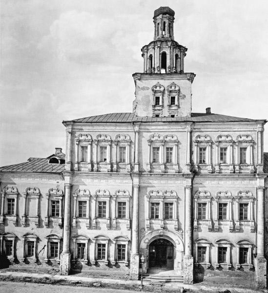 Здание Земского приказа на Красной площади, в котором первоначально размещался Московский университет (теперь на этом месте Исторический музей)