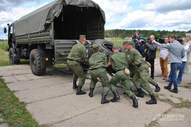 На замену 260-килограммового колеса установки Тополь отводится не более 20 минут