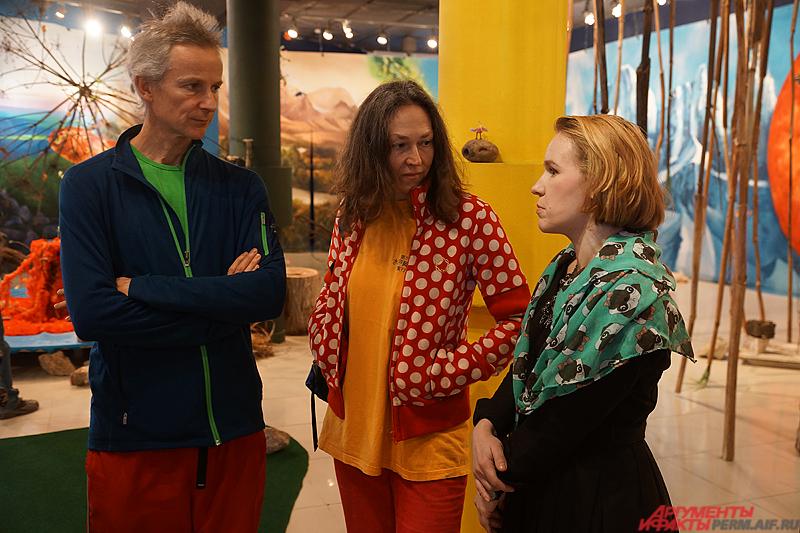 Авторами выставки явился швейцарский дуэт – Герда Штайнер и Йорг Ленцлингер.