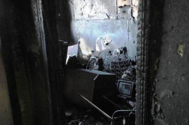 Пострадавшая от огня квартира.