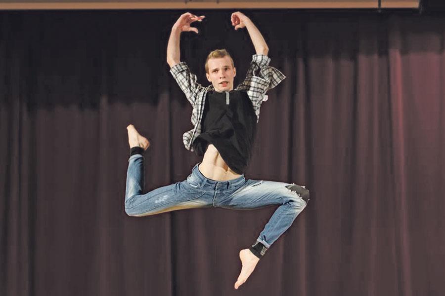 Благодаря конкурсу «Лучший танцор года» каждый может стать известным.
