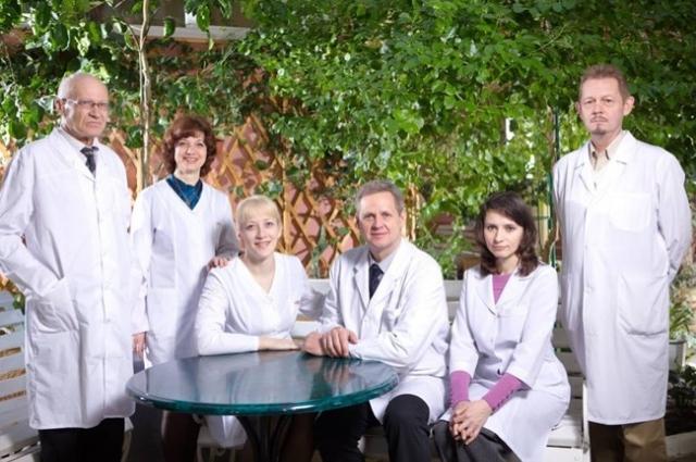 Состав кафедры госпитальной терапии ХМГМА. Профессор Ушаков - крайний слева