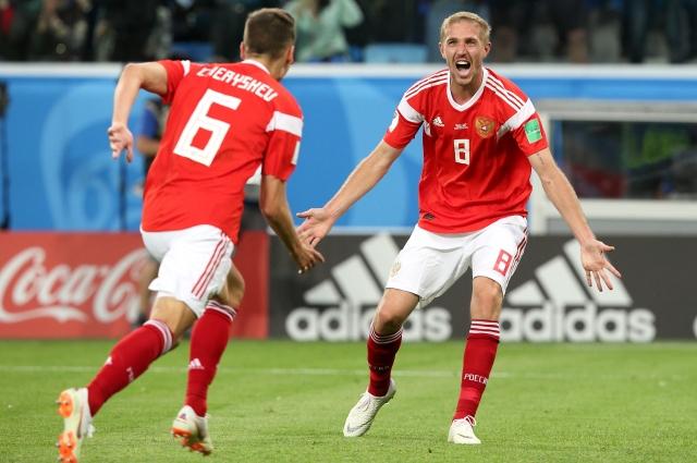 На 12-й минуте встречи с Саудовской Аравией Газинский забил гол.