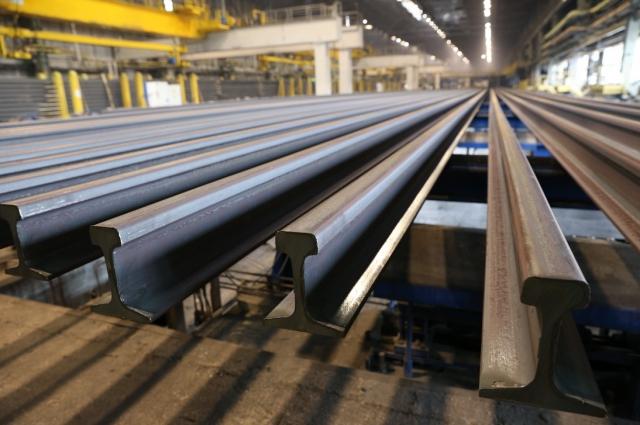 Рельсобалочный цех сегодня. После модернизации тут выпускают 100-метровые рельсы.