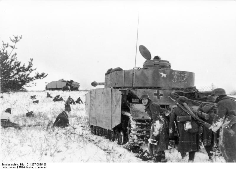 Танки и немецкие гренадеры на Восточном фронте