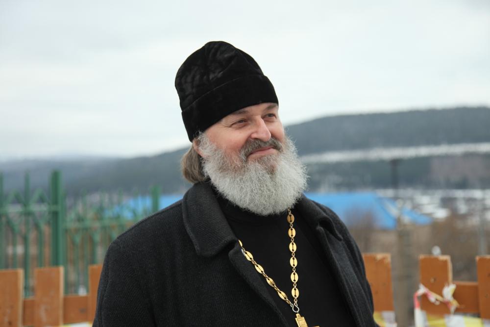 Отец Виктор Фролов восстановил историю жизни своего деда.