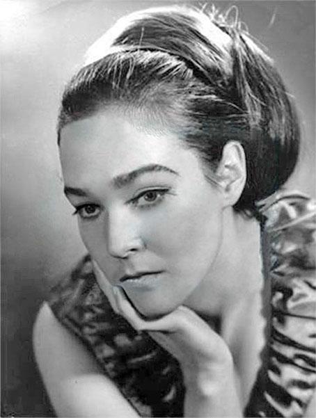 У актрисы была необычная внешность.
