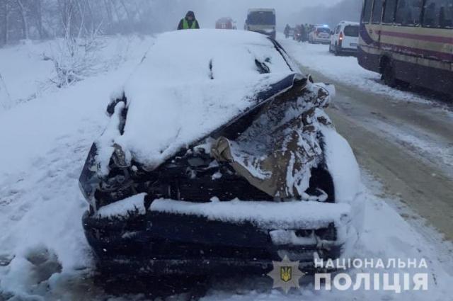 В Сумской области произошло ДТП с автобусом, есть пострадавшие