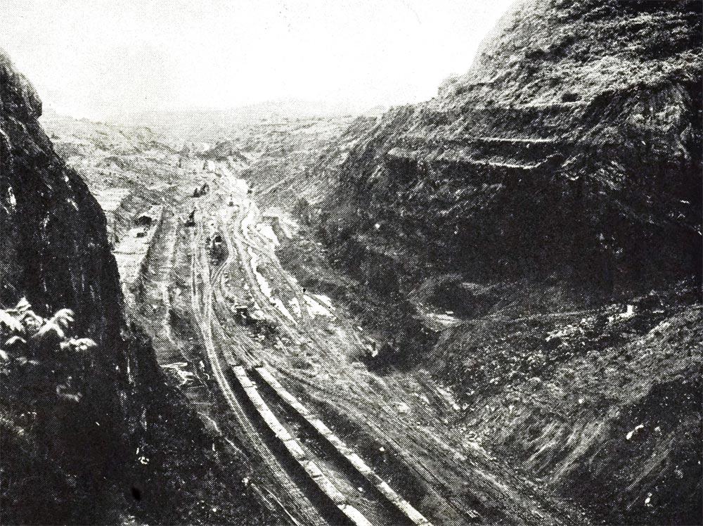 Разрез Кулебра Панамского канала.
