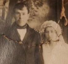Дедушка Иван с женой.