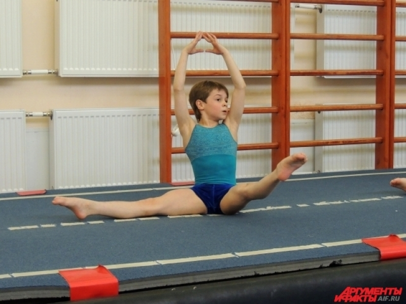 Сегодня акробатическая дорожка на весь день занята хореографией