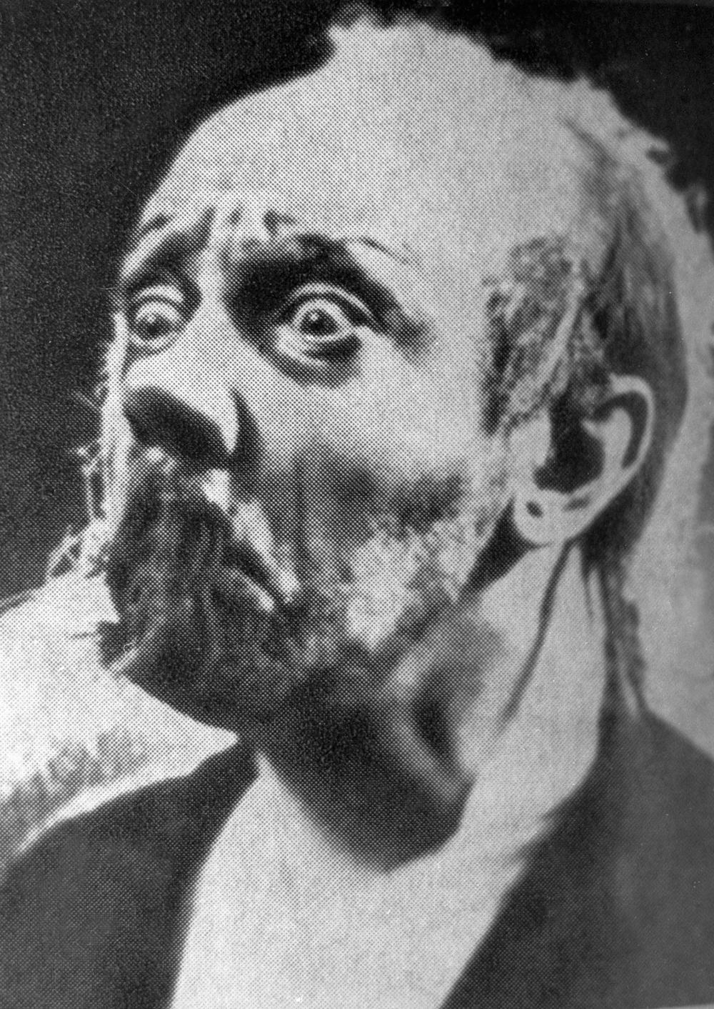 Михаил в сцене из спектакля «Ведьма», 1915 г.