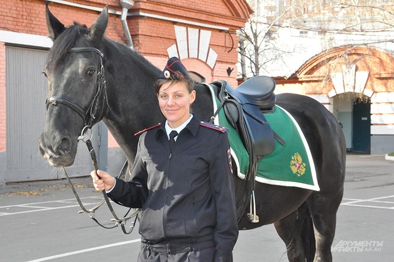 Девушка-кавалерист Виктория Минажетдинова