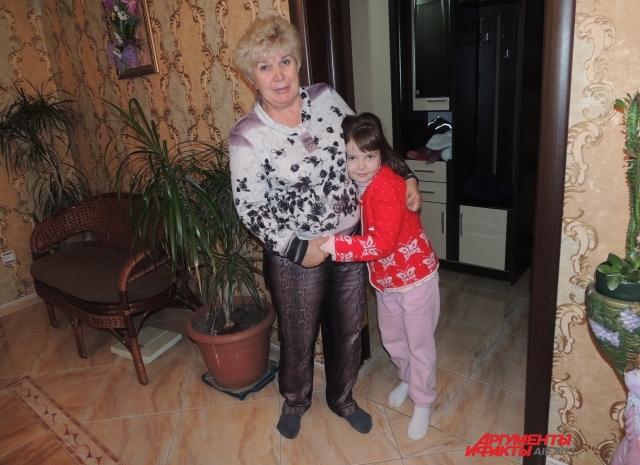 Василиса с новой мамой