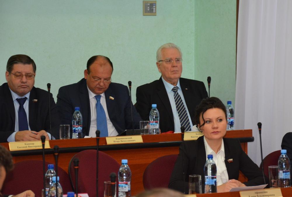 В Оренбурге прошло четвертое заседание городского Совета созыва-2015.