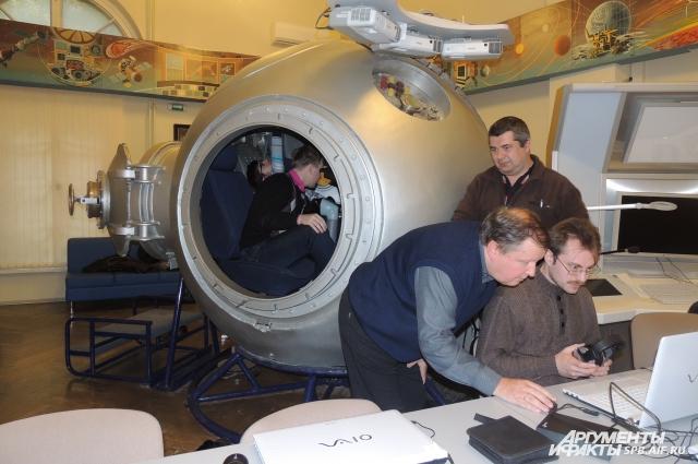 С Земли все команды на корабль, следующий к МКС, отдаются только на русском языке.