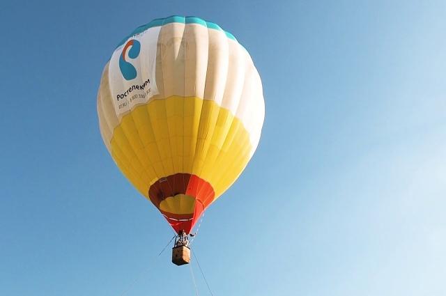 На воздушном шаре можно