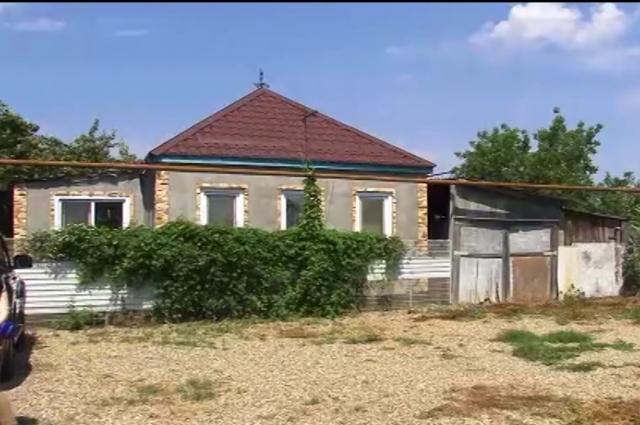 Дом, в котором мальчик жил с отцом и мачехой.