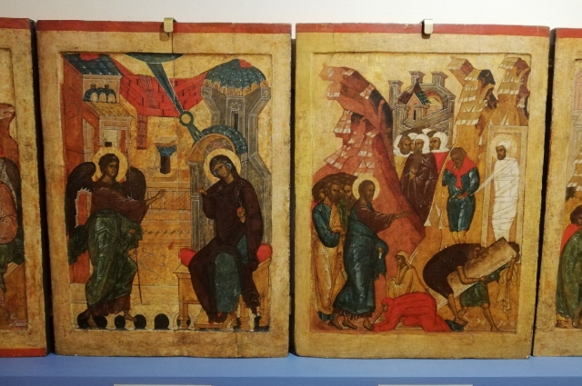 По изображениям на иконах можно узнать, что носили сотни лет назад