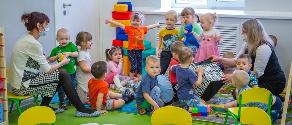 Детский сад необходим: здесь малыши приобретают первые навыки социального общения...