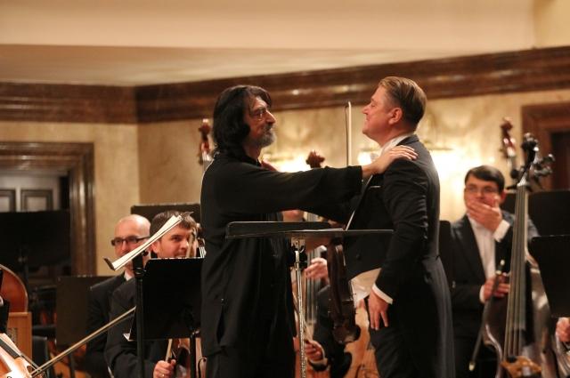 С оркестром выступил альтист из Санкт-Петербурга, лауреат международных конкурсов Алексей Людевиг.