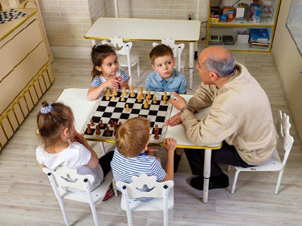 Свои способности и таланты дети показывают на праздниках, спортивных соревнованиях, городских и областных конкурсах, выставках детского творчества.