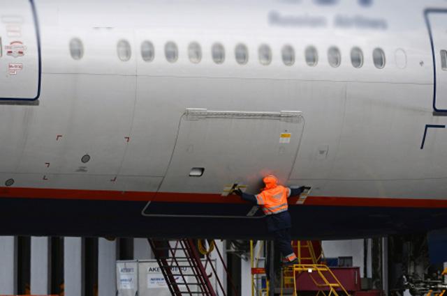 Тщательно ли проверяют самолёт перед вылетом - большой вопрос.