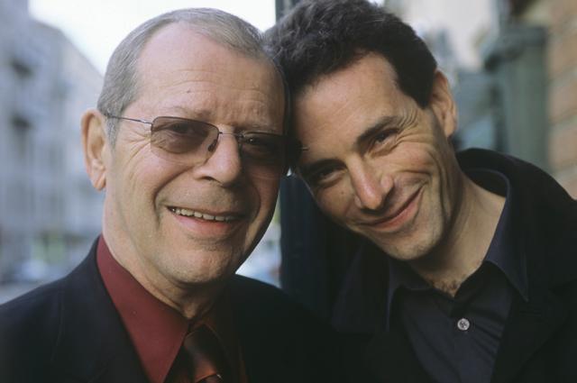 Аркадий Арканов с сыном Василием. 2000 год.