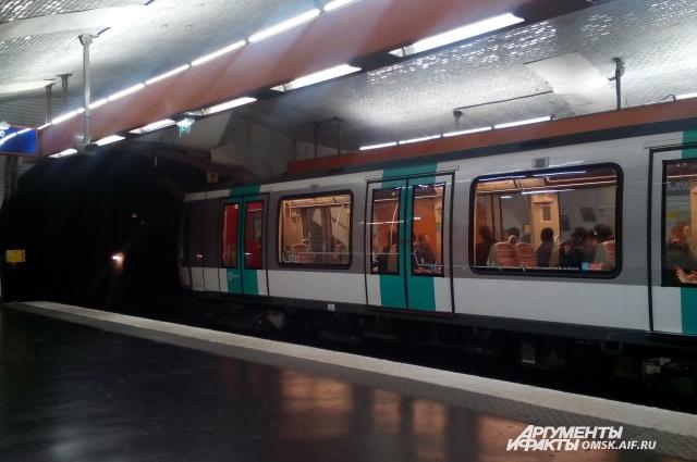 Париж — крупный транспортный узел страны.