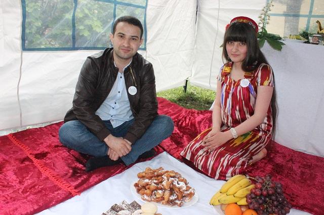 Место настоящей таджикской женщины - у семейного очага.
