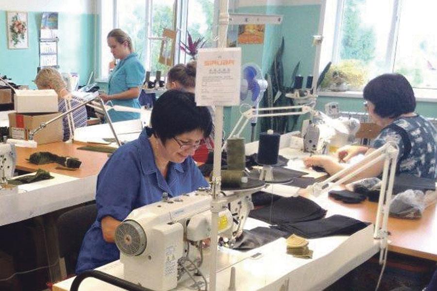 С открытием швейного цеха появились дополнительные рабочие места.