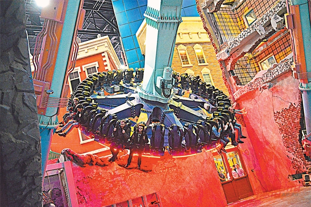 Самая экстремальная зона– «Черепашки-ниндзя»– стилизована под кварталы Нью-Йорка. В ней находятся аттракционы, откоторых захватывает дух.