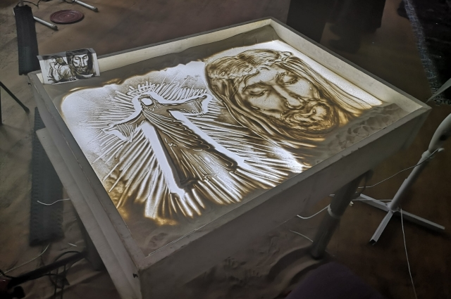 Художница Катарина Лав представила образ Христа.